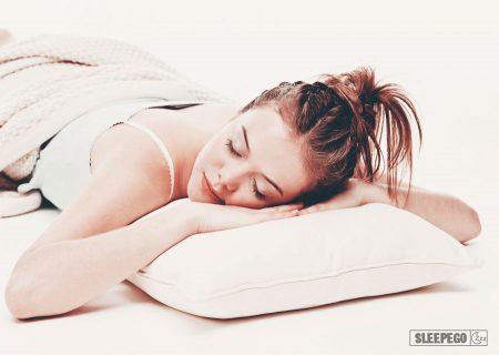 Куда нужно спать головой: правильный сон по сторонам света