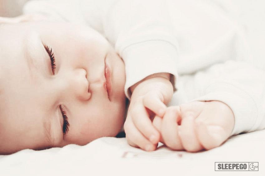 Сколько спят новорожденные в первый месяц: будь в курсе 19-2