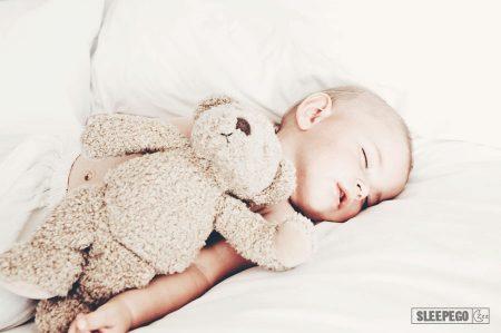 Сколько должен спать ребенок в 8 месяцев: общие рекомендации