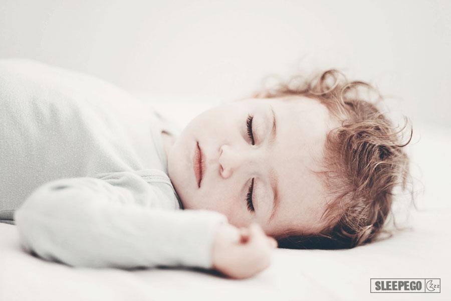 Сколько должен спать ребенок в 8 месяцев: общие рекомендации 21-2