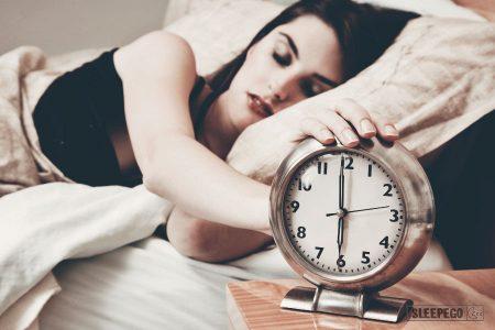 Сколько нужно спать взрослому человеку в сутки: правильный режим