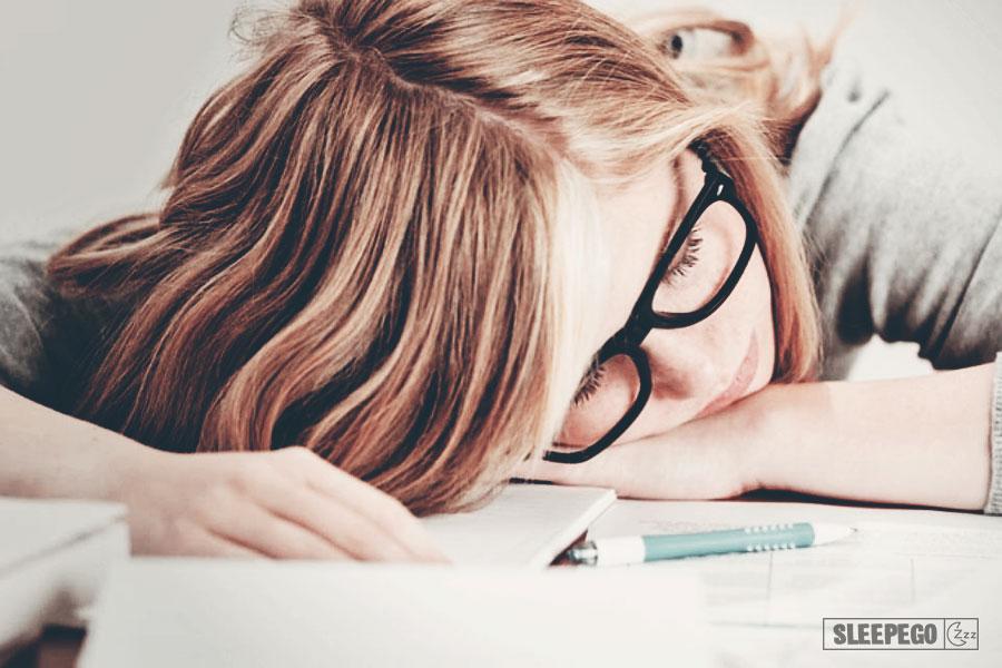 Почему постоянно хочется спать днем: возможные причины 14-2