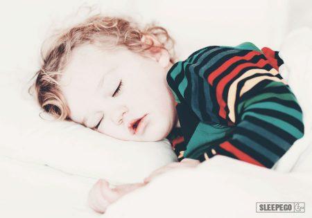Сколько должен спать ребенок в 3 года: важность режима сна для