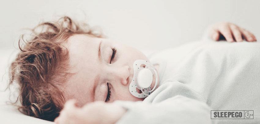 Сколько должен спать ребенок в 1 год: правильный дневной и ночной сон 27-3