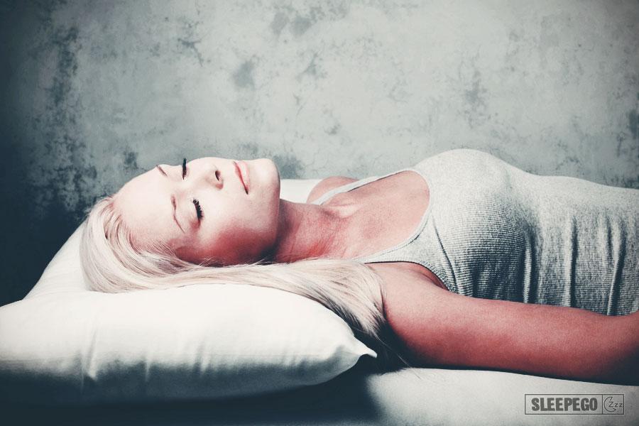 Как научиться спать на спине: преимущества и недостатки 35-2
